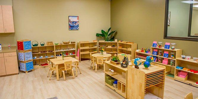Montessori Kids Universe slide 2