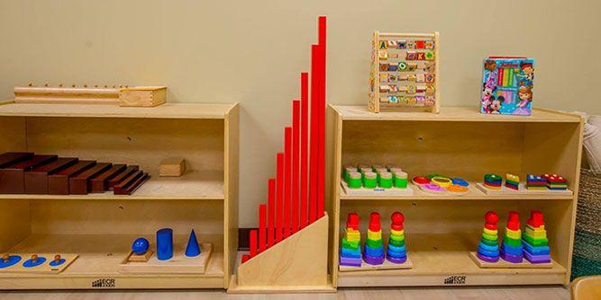 Montessori Kids Universe slide 4